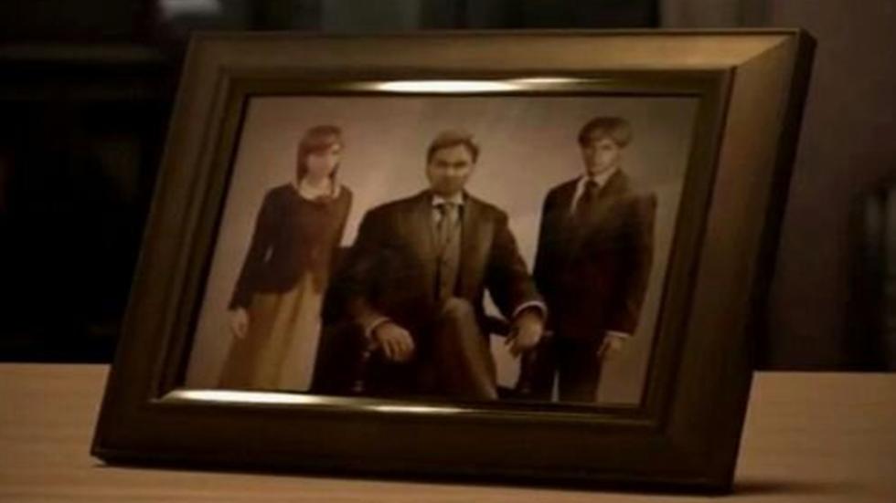 Alexander Ashford junto a sus hijos, los gemelos Alexia y Alfred